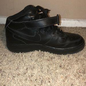 Nike Shoes - NIKE AiR Force XXV